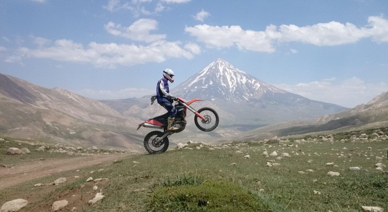 دریاچه لار و دامنه های دماوند : خرداد ۱۳۹۴