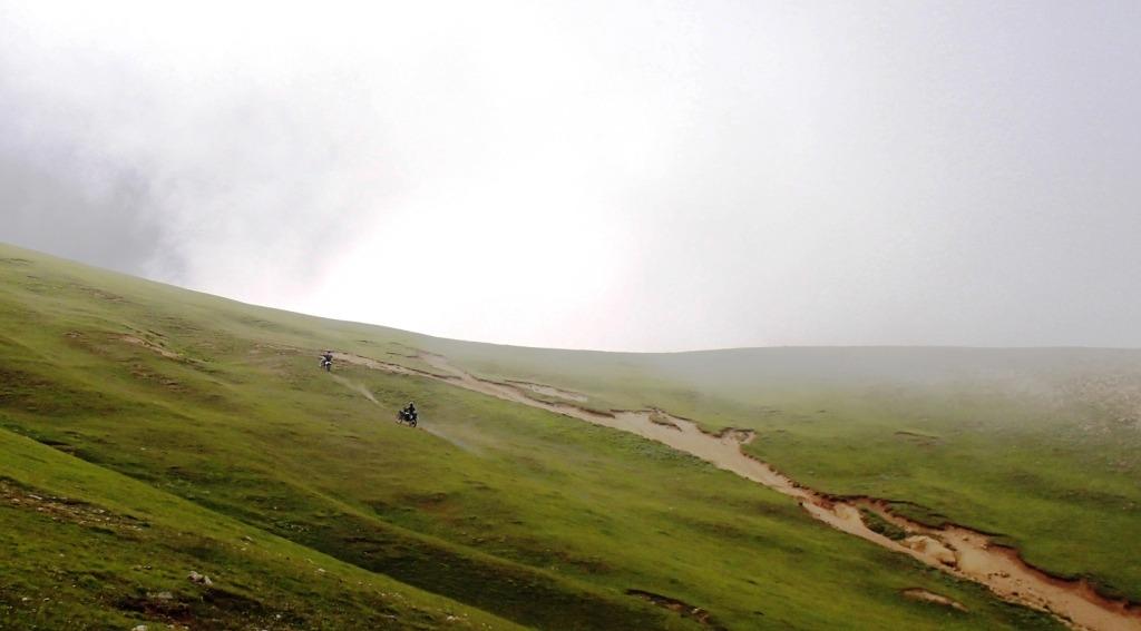 آفرود در مسیر زنجان به ماسوله : بهار ۱۳۹۳