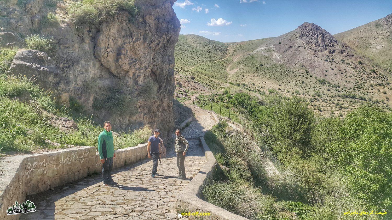 جعفر صفری و آربی امیریان و کارو در مسیر آبشار چناقچی - بهار 1400 - 2021